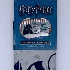 NWT Harry Potter Slytherin reversible pillowcase